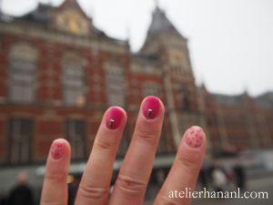 アムステルダム中央駅と豹柄ネイル
