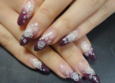 紫とバラのジェルネイル