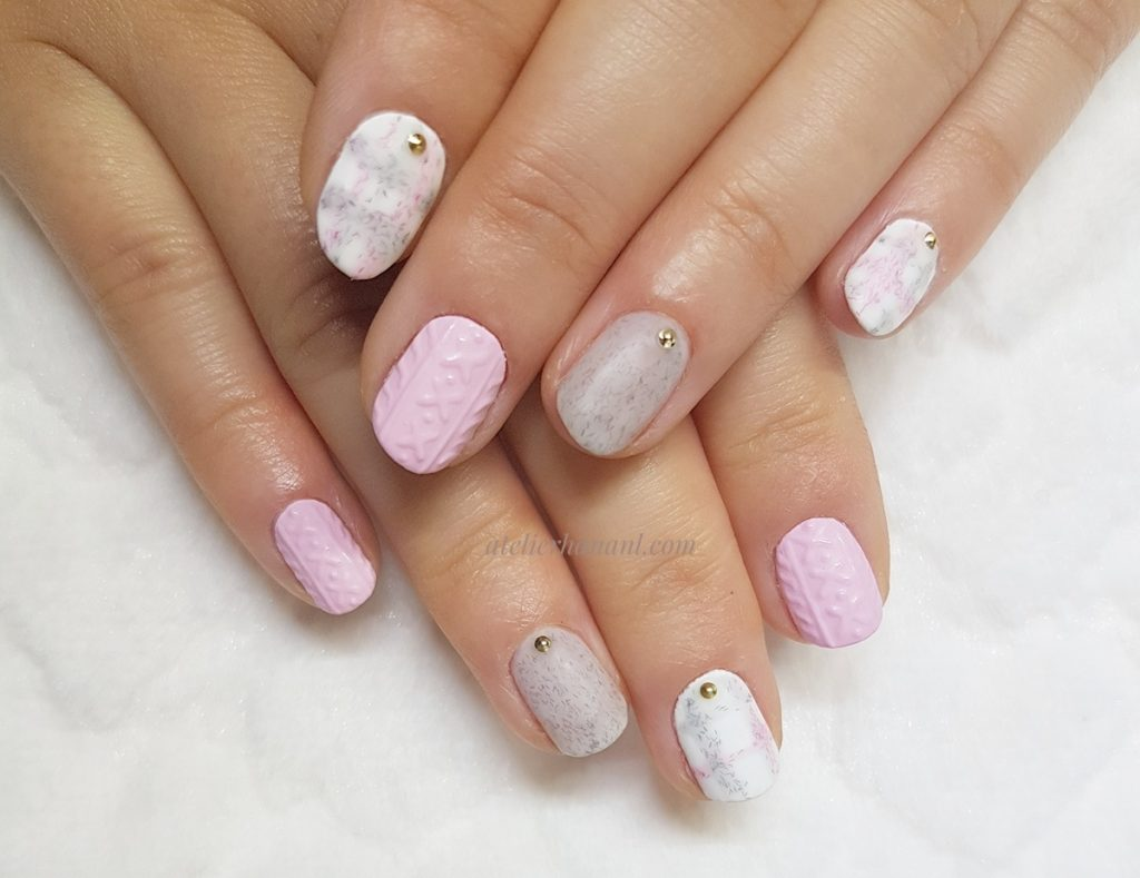 Knitted nail