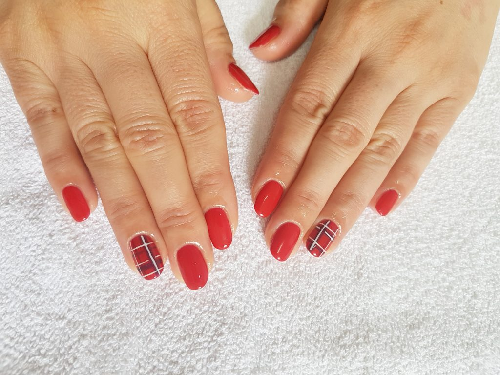 gel nail red check