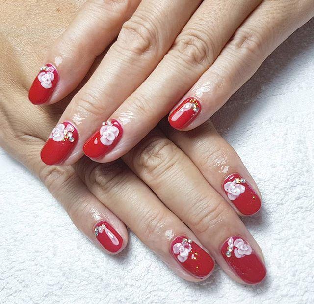 《赤一色塗りに3Dのバラ》#rosenails #3dnailart #3dflowernails #nagelsamsterdam #nailart #naildesign #amsterdamnailsalon #amsterdamnails #アムステルダムネイル #アムステルダムでネイル #エンボスネイル #エンボスアート #3Dアート #3dのバラ - from Instagram